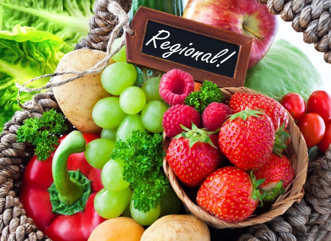 Покупайте местные продукты у фермеров и продавцов.