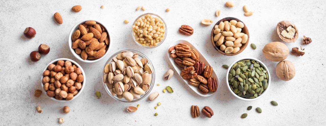 Орехи - отличный источник полезных жиров