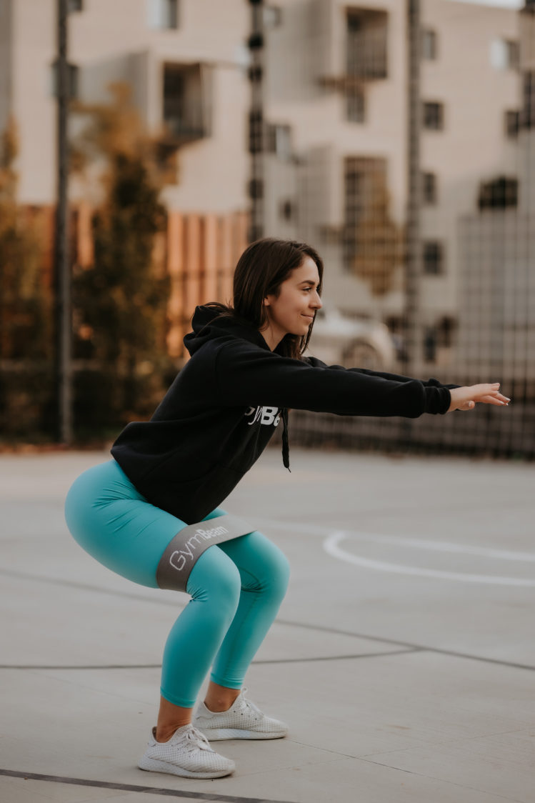 Exercises for strong butt with the resistance band