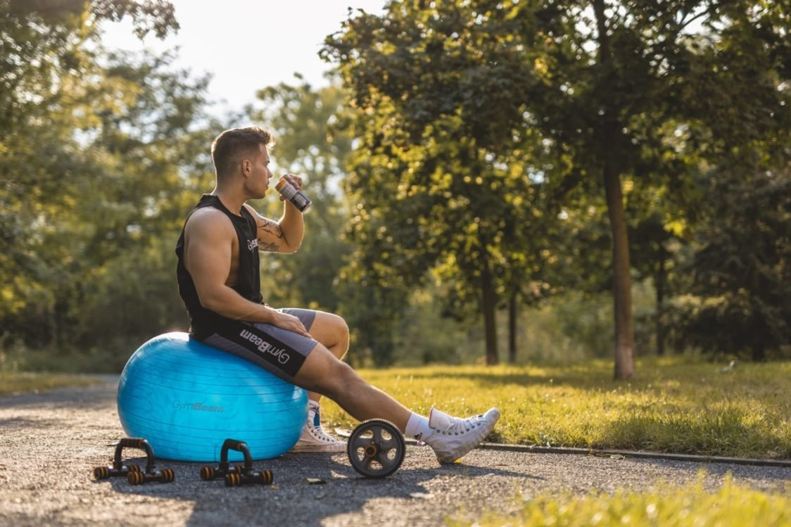 Why is it beneficial to exercise with the stability ball?