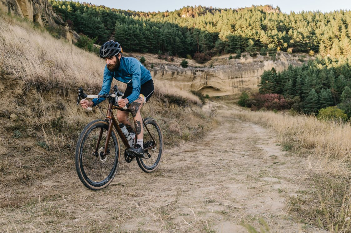 Cycling builds physique and strengthens legs and buttocks