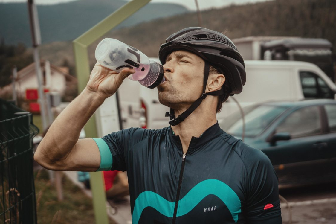 What to eat when hiking or cycling?