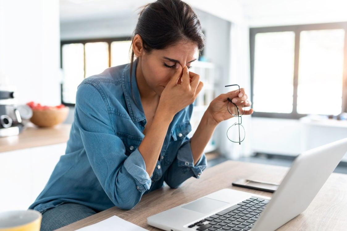 Zdravá strava a pohyb môžu pomôcť s bolesťou hlavy