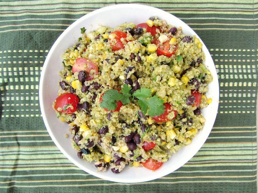 salát s rukolovým pestem recept