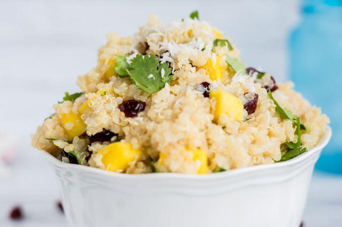 tropický quinoový salát s mangem